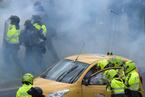哥伦比亚出租司机抗议Uber 与警察激烈冲突