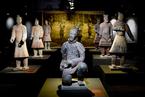 秦兵马俑亮相意大利那不勒斯 展览将持续三个月