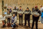 美民众持火鸡钞票 于特朗普大楼内抗议税改