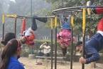 印度新德里空气质量再爆表 民众仍户外锻炼