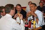 默克尔烤鱼奥巴马热狗 这些年政要们的亲民食谱