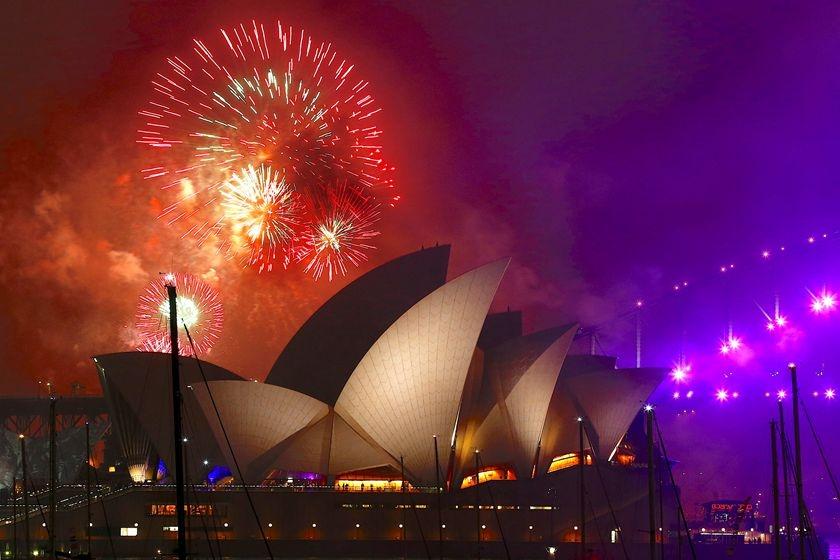 世界各地上演跨年烟花表演 迎接新年到来图片