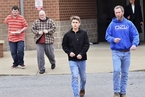 美国肯塔基州一高中发生枪击事件 2死19伤