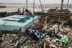 海平面上升致印尼沿海地区被淹 垃圾遍地