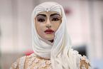迪拜展出价值百万美元新娘蛋糕 身上镶嵌钻石