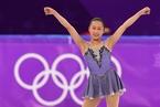 冬奥会花样滑冰女子自由滑 中国选手李香凝出场