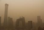 京津冀遭遇沙尘侵袭  北京PM10短时浓度近2000