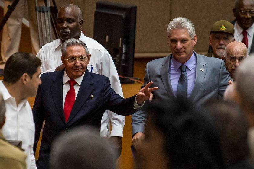 劳尔‧卡斯特罗交棒58岁副手 古巴体制未必迎来骤变