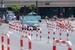 为治理违章停车 杭州200米道路设置400个铁柱