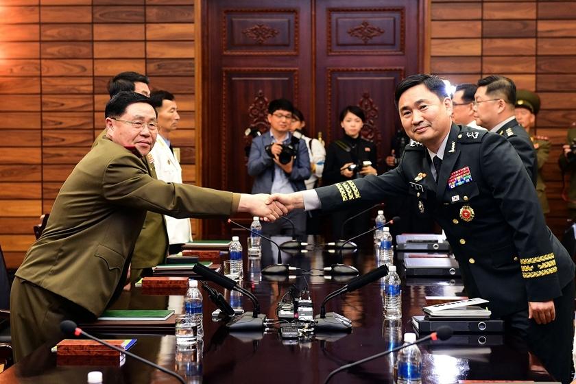 朝韩将军级军事会谈在板门店举行