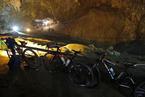 泰国一支足球队13名队员被困洞穴 救援行动展开