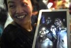 13名失联泰国足球队员被找到 家属破涕为笑