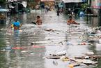 菲律宾遭季风雨和热带风暴双重夹击 洪灾泛滥