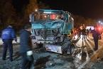 俄罗斯发生客货车相撞事故 致12死10伤