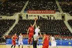 中朝男篮混编友谊赛在平壤举行 130-130战平
