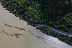 西藏堰塞湖灾情已撤离6000余人 道路被水淹没