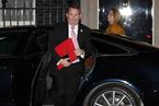 退欧协议草案达成 特雷莎·梅深夜召见内阁讨论