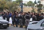 约旦出租车司机围堵抗议 抵制网约车服务