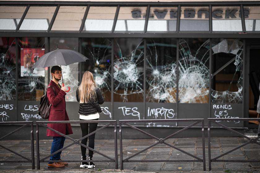 """""""法国爆发新一轮抗议活动"""