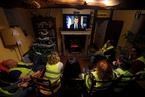 马克龙发表电视讲话 承诺提高法国最低薪资