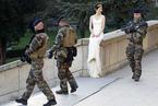 法国恐袭后欧洲多国安保升级 警察驻扎圣诞集市