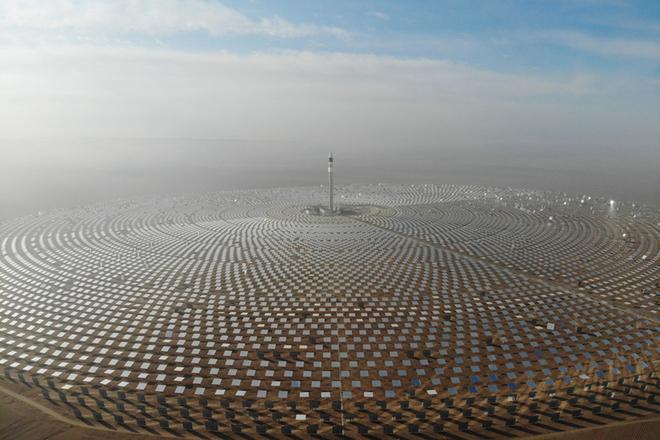 中国首个百兆瓦级熔盐塔式光热电站在敦煌投运