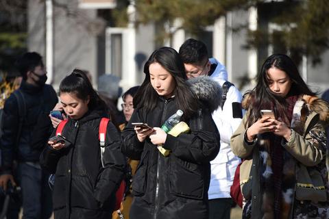 中国传媒大学艺考初试拉开帷幕 报考人数创新