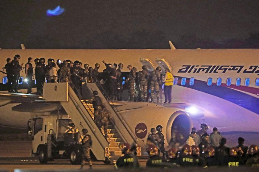 孟加拉国一民航客机遭劫持迫降 劫机者被击毙图片 235374 840x560