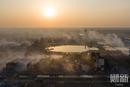 浓烟散去近距离航拍盐城爆炸中心 巨坑直径超百米