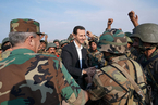 叙利亚总统阿萨德视察西北前线 慰问政府军人员