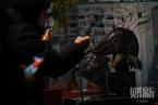 圆明园马首铜像回归  公众参观热情高涨