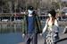 西湖景区有序开放 游客戴口罩享受暖阳