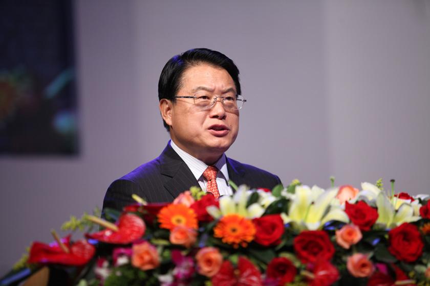 3月25日,广州,财政部副部长李勇讲话。   财新记者 牛光/摄_首届岭南论坛开幕