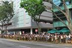 财新记者直击新加坡民众沿街送别李光耀