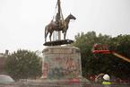 美国里士满市开始移除当地邦联雕像