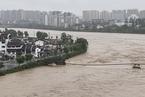 受持续强降雨影响 黄山近500年古桥被冲毁