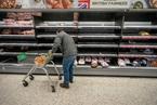 英国伦敦实行第四级封锁 民众疯狂购物囤货