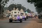 中非大选在即 联合国维和车辆在街头巡逻