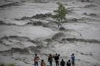 尼泊尔强降雨引发洪水泥石流