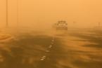科威特城遭遇沙尘暴