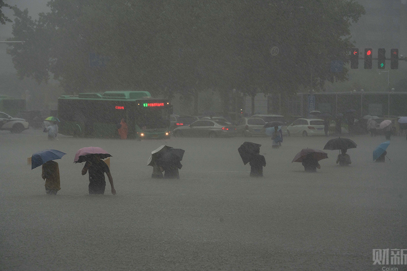一周天下:河南暴雨、南京疫情......