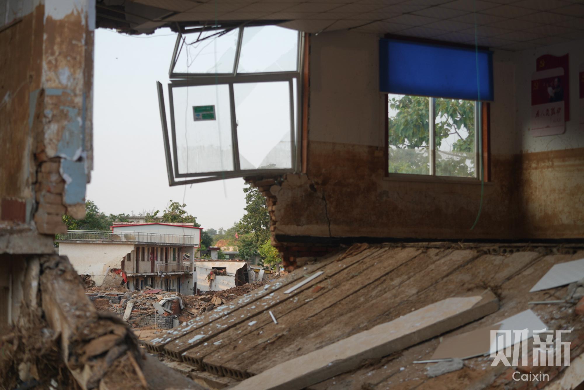 河南暴雨增26名遇难者 多位失联者家属仍在寻亲