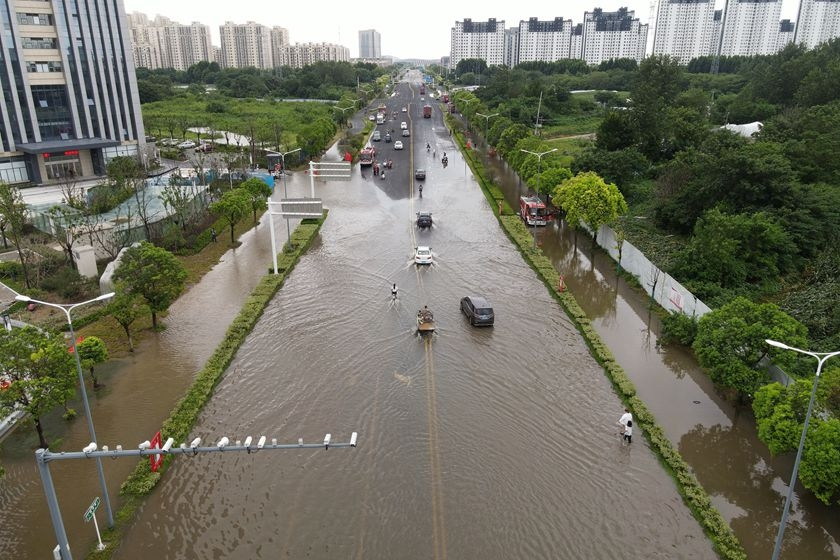江苏淮安暴雨引发城市内涝