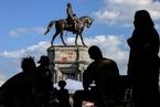 美国弗吉尼亚州拆除罗伯特李将军雕像