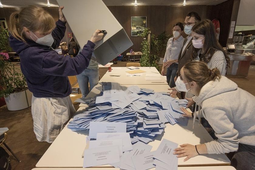 德国举行联邦议院选举 超6000万民众投票